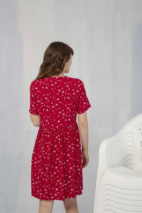 vestido-abotonado-rojo-escote-pico