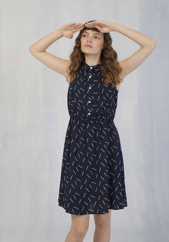 vestido-azul-estampado-cerillas