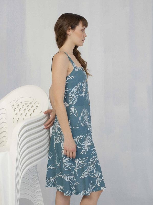 vestido-azul-estampado-hojas
