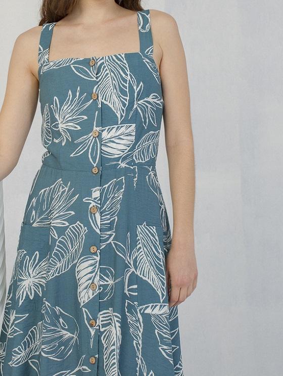 vestido-azul-estampado-tropical