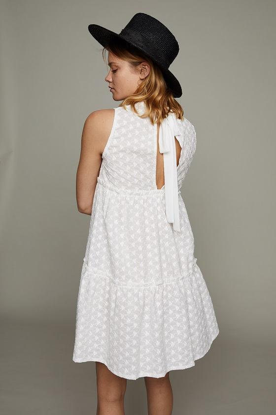 vestido-corto-blanco-lazo