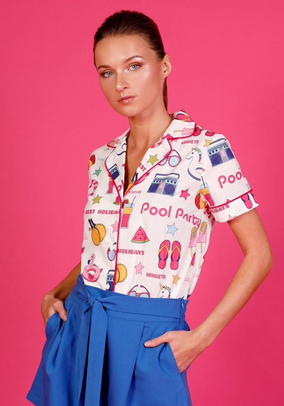 CAMISA-BLANCA-ESTAMPADA-BARBIE