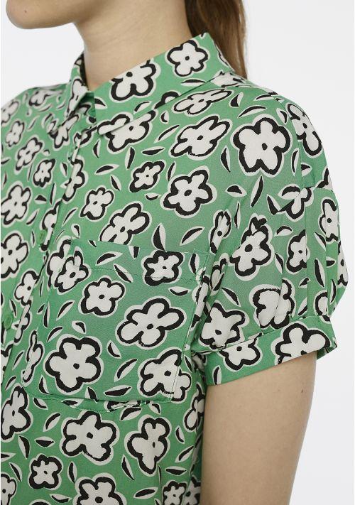 camisa-verde-estampada-flores