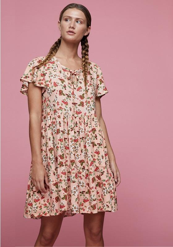 vestido-corto-rosa-estampado-flores