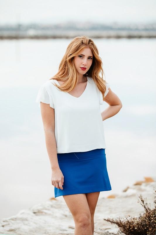 falda-corta-azul-electrico