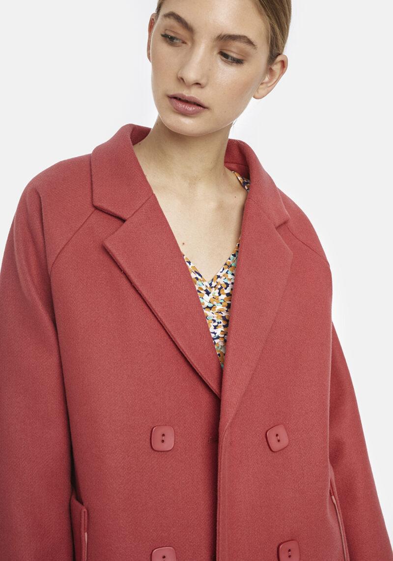 abrigo-rosa-carney-doble-botonadura
