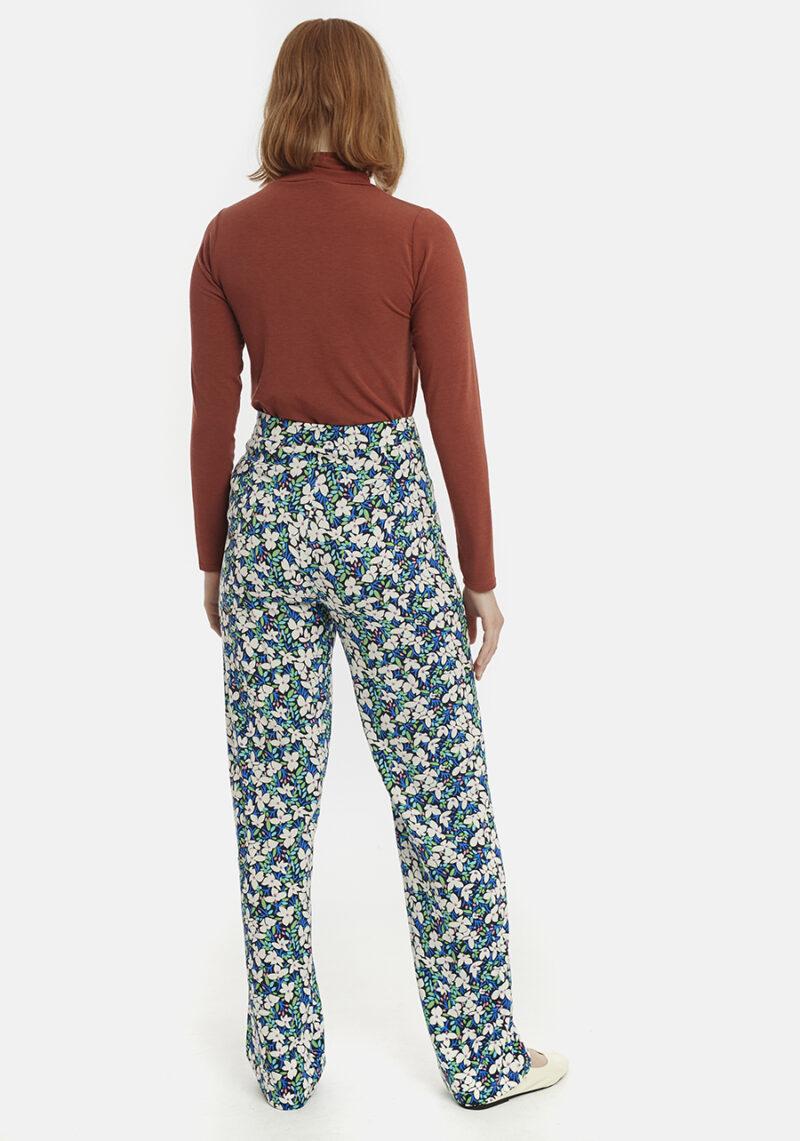 pantalones-largos-estampado-flores