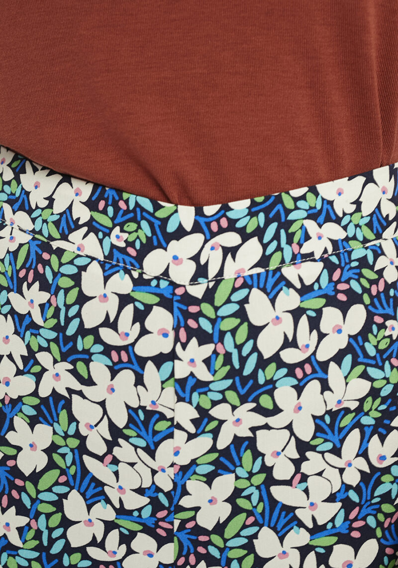 pantalones-largos-estampado-flores-guinea