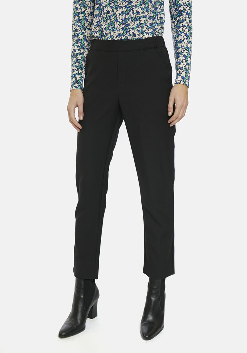 pantalones-negros-con-goma