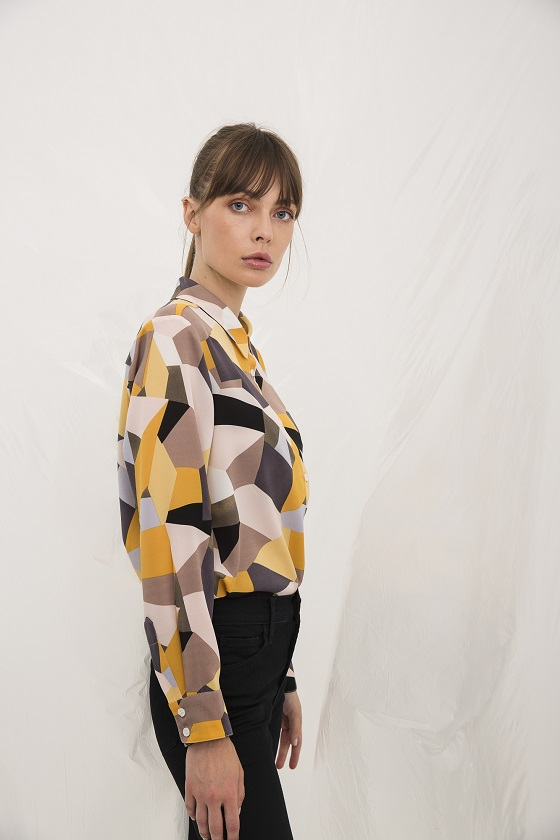 camisa-estampado-geometrico-mangas-largas