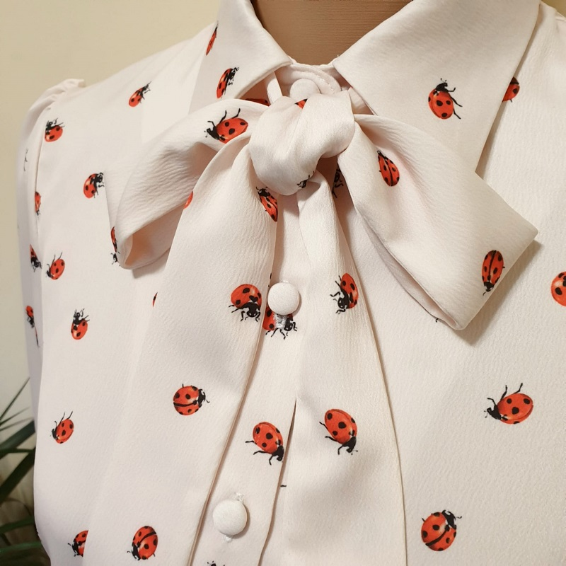 camisa-lazo-mariquitas-mangas-largas