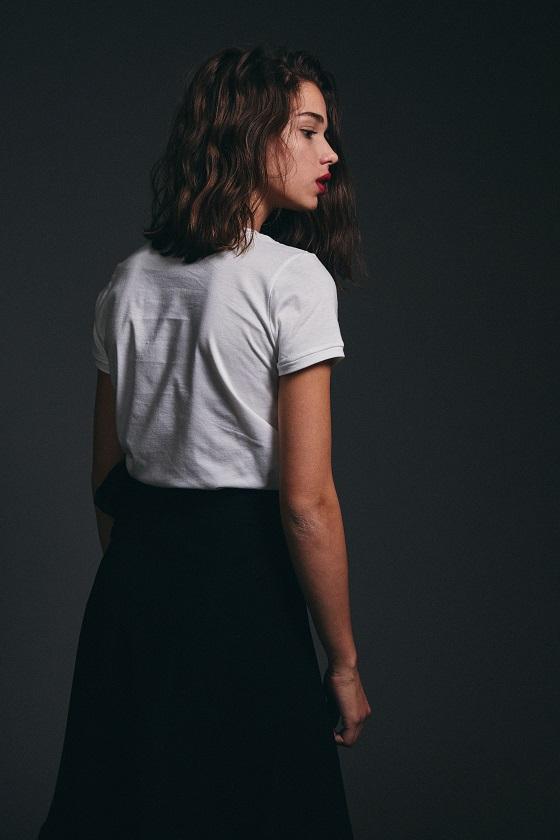 camiseta-blanca-mangas-cortas