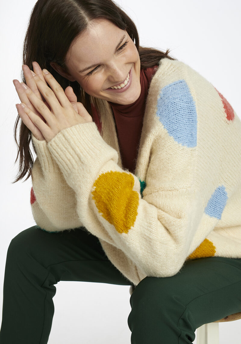 chaqueta-beige-lunares-grandes-colores