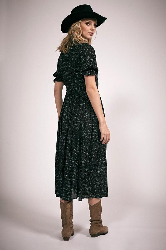vestidio-vivienne-mangas-cortas