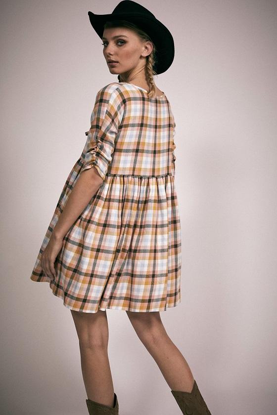 vestido-corto-estampado-cuadros-norma