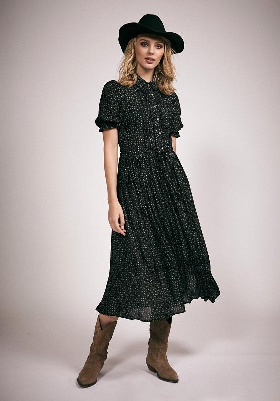 vestido-midi-negro-con-estampado-vivienne