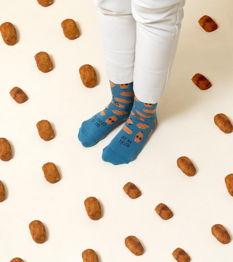 calcetines-divertidos-estas-mejor-que-las-croquetas