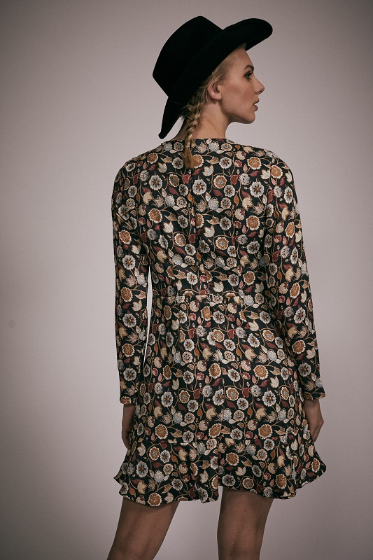 vestido-corto-mangas-largas-estampado-belinda