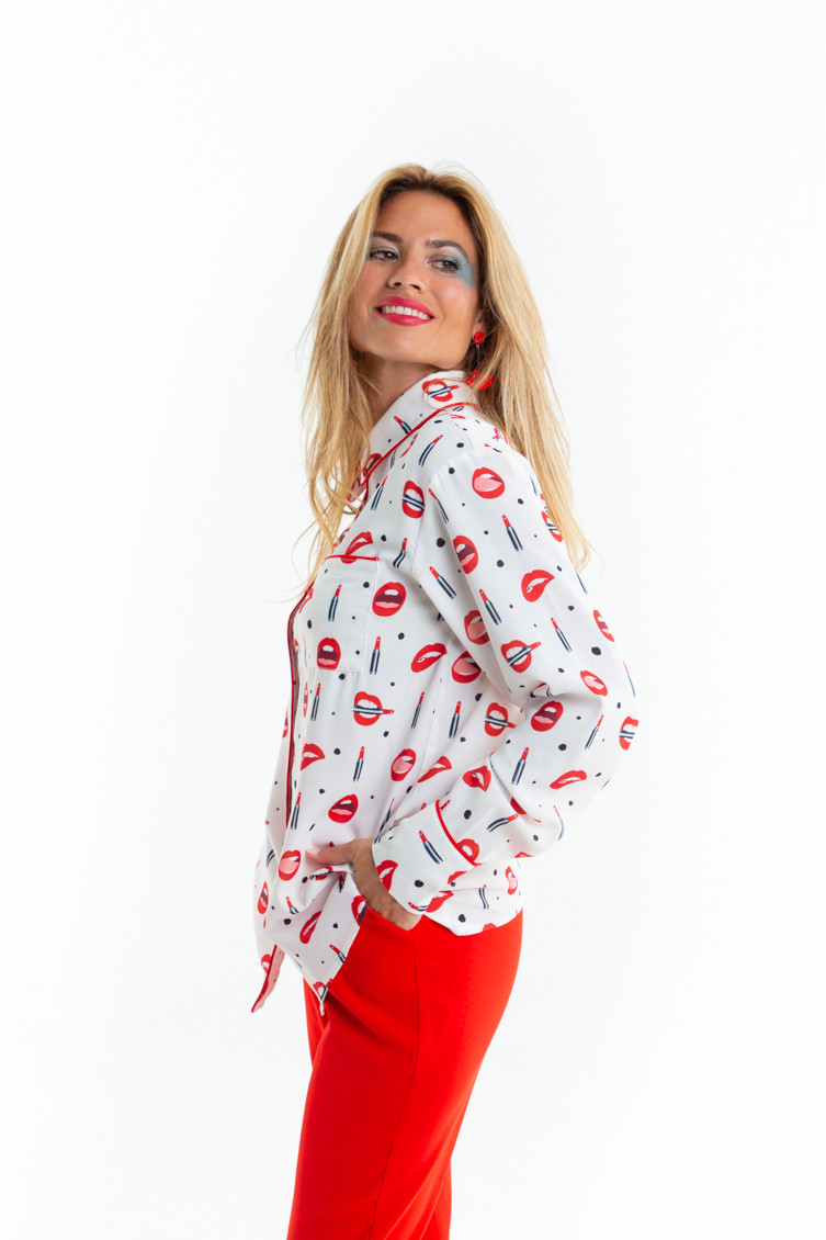 camisa-blanca-labios-red-lips