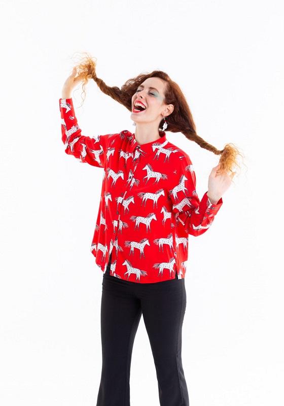camisa-roja-estampado-pippi
