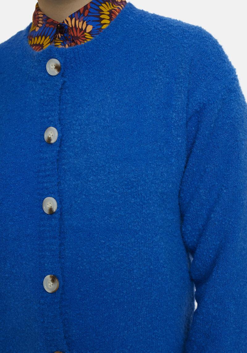cardigan-azul-cuello-redondo