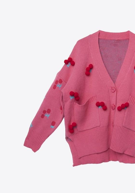 cardigan-cerezas-pompones-rosa