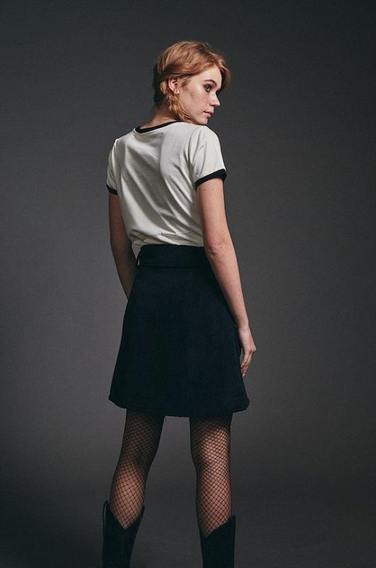 falda-corta-pana-negro
