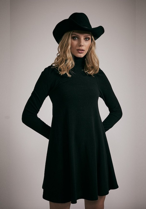 vestido-cuello-alto-sienna-negro