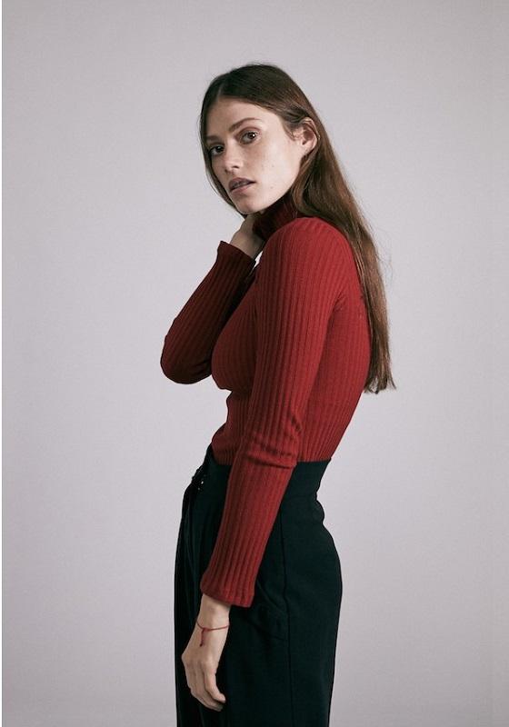 jersey-cuello-alto-ona-rojo