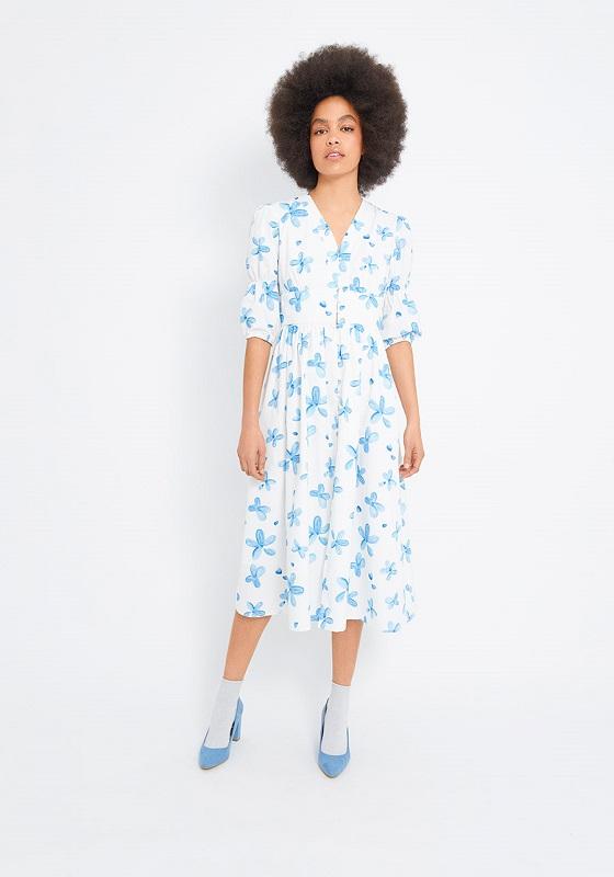 vestido-blanco-estampado-flores-azules