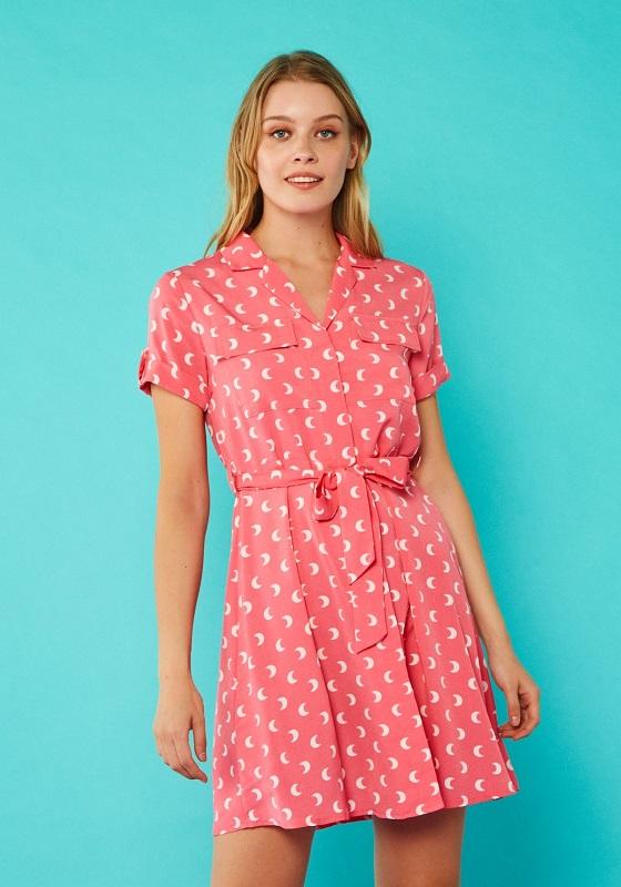 vestido-camisero-rosa-estampado-lunas