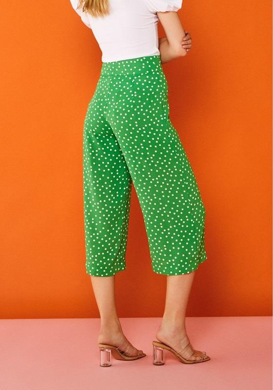 culotte-verde-estampado-topos-blancos