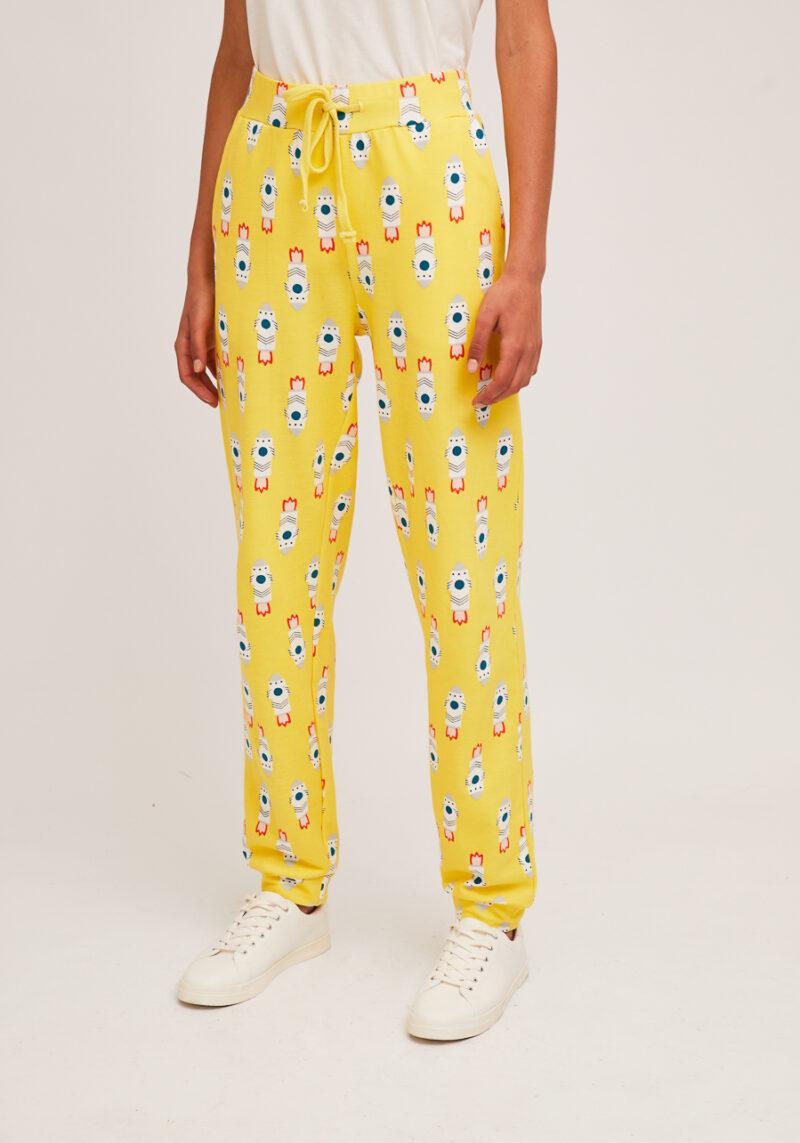 pantalones-amarillos-estampado-cohetes