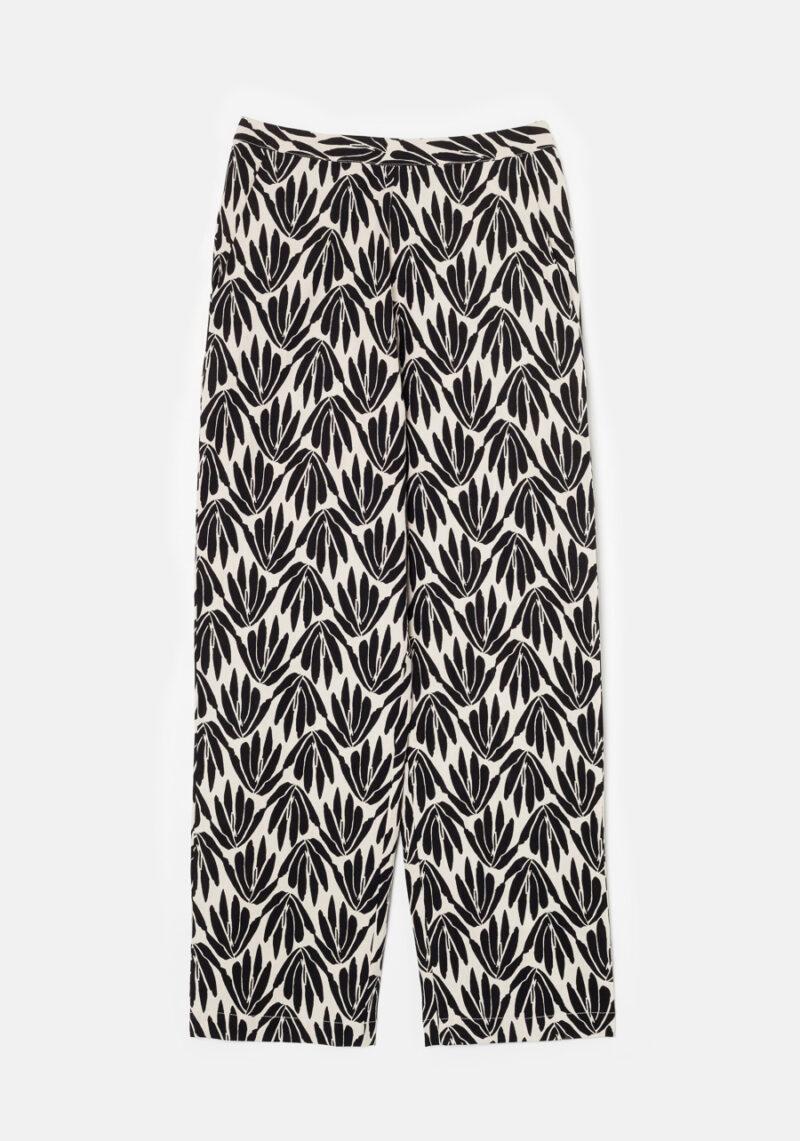 pantalones-estampado-floral-blanco-negro