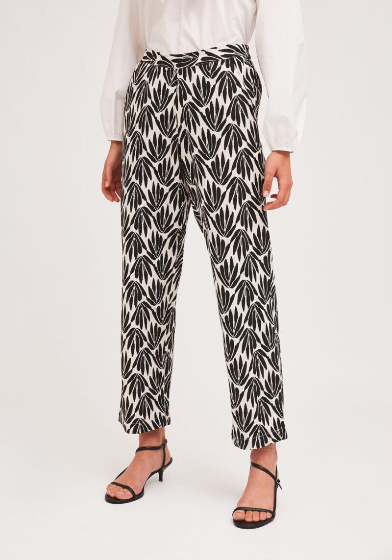 pantalones-estampados-blanco-negro