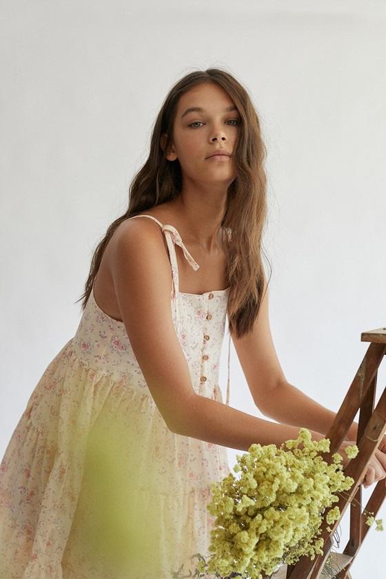 vestido-babydoll-estampado-flores-pepa