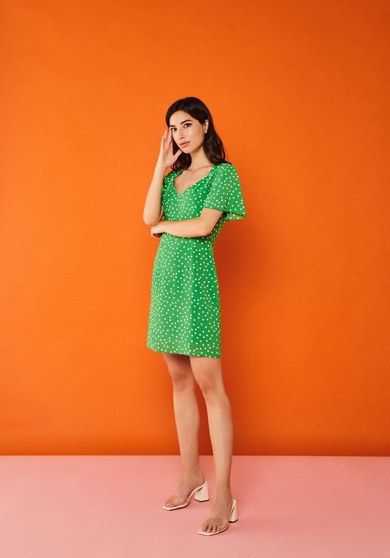 vestido-corto-verde-topos