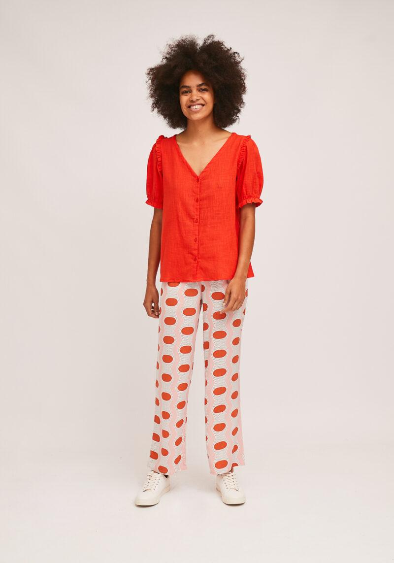 camisa-escote-v-roja
