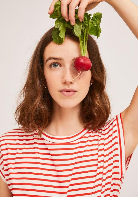 camiseta-algodon-rayas-blancas-rojas