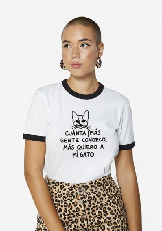 camiseta-cuanta-mas-gente-conozco-mas-quiero-a-mi-gato