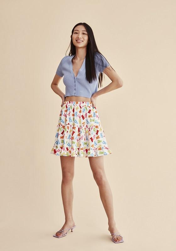 falda-corta-estampado-gummies-multicolor