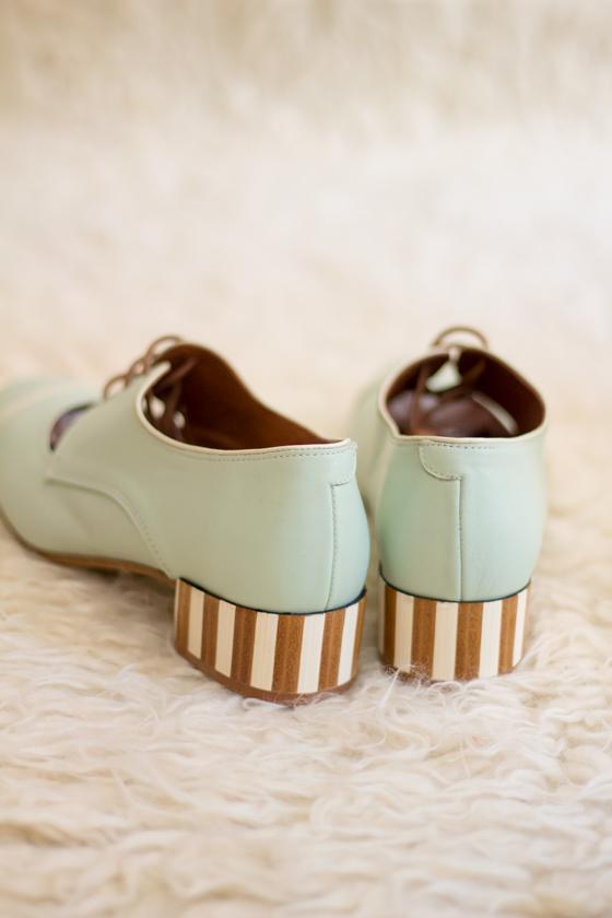 zapatos-tacon-comodo-pin-up-verde-pastel