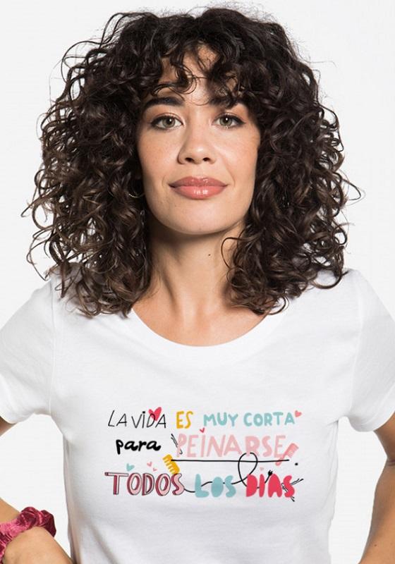 camiseta-frase-la-vida-es-muy-corta-para-peinarse-todos-los-dias