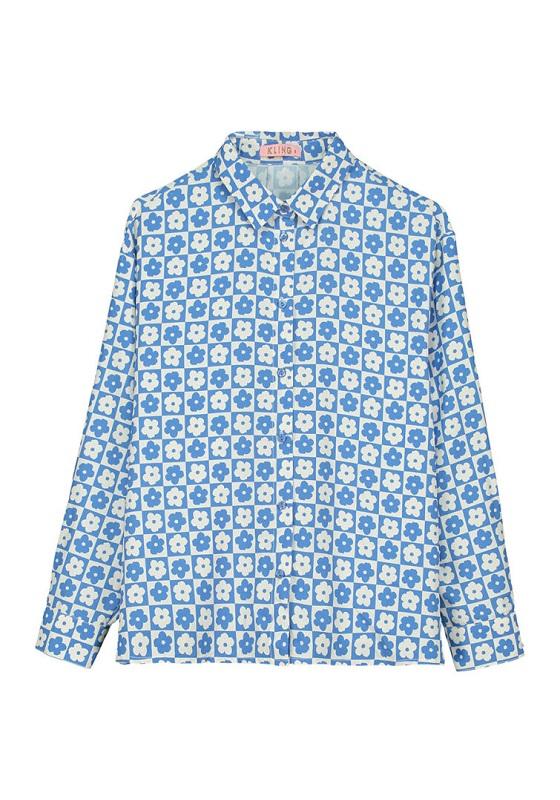 camisa-azul-y-blanco-margaritas