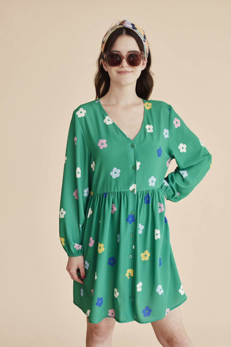 vestido-verde-cuello-pico