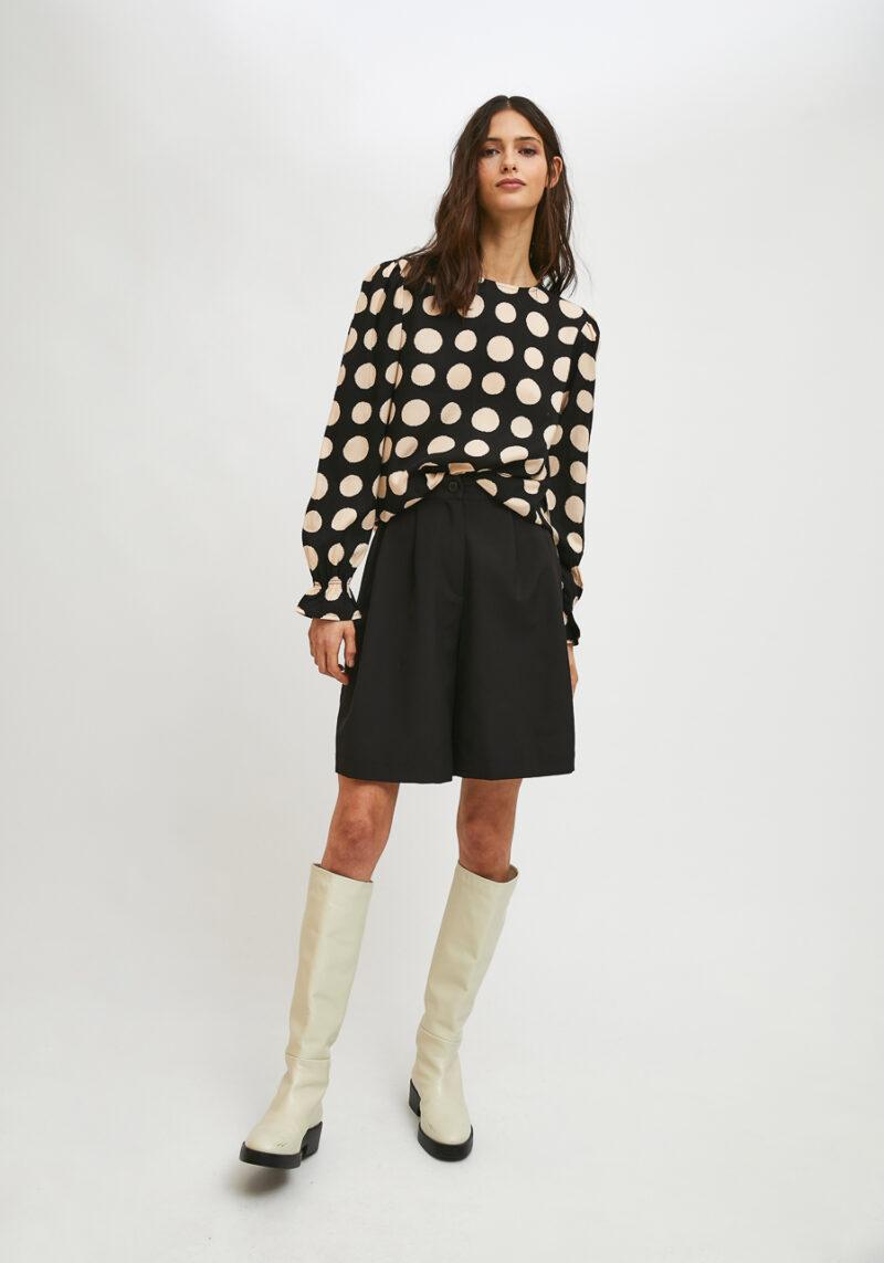 blusa-mangas-largas-estampado-blanco-negro