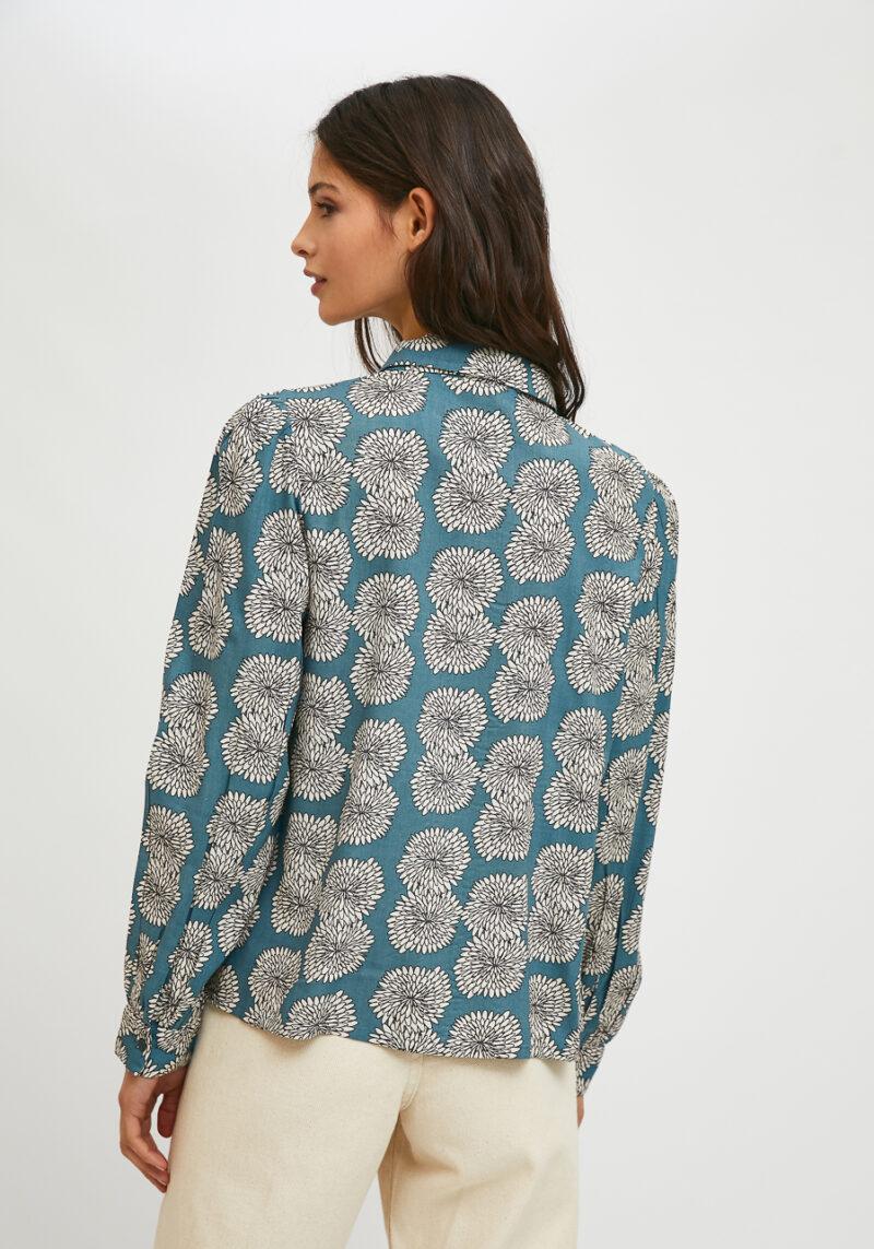 camisa-mangas-largas-estampado-crisantemo