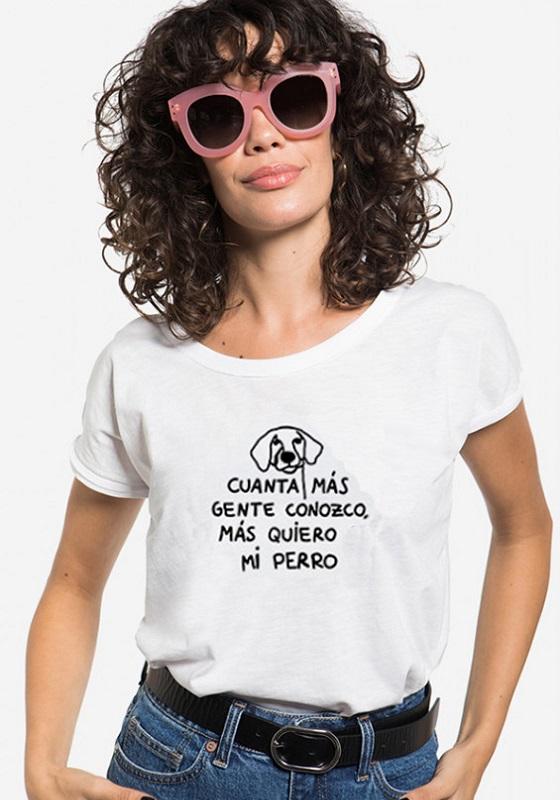 camiseta-frase-cuanta-mas-gente-conozco-mas-quiero-a-mi-perro