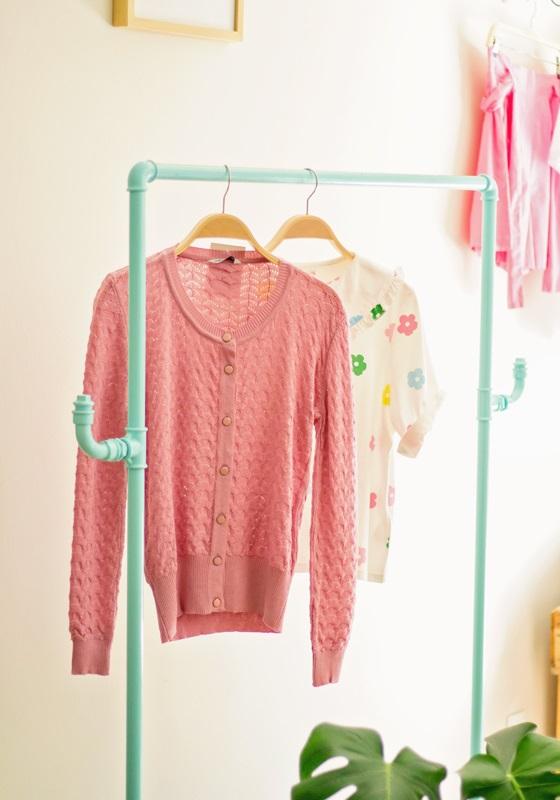 cardigan-cuello-redondo-rosa