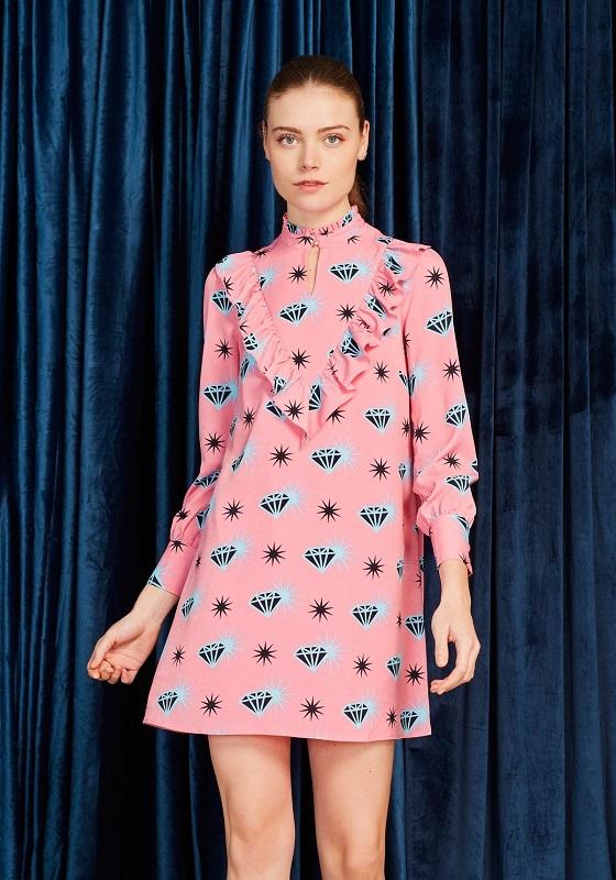 vestido-corto-rosa-estampado-diamantes